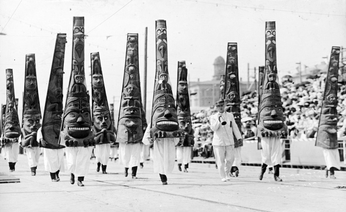 Golden Potlatch Parade, 1912. Courtesy of University of Washington.