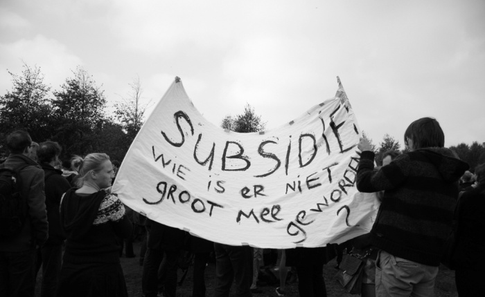 """Protests against arts cuts, The Hague, October, 2010. Courtesy of <a href=""""http://hendersonmedia.wordpress.com/2010/10/09/budget-cuts-against-the-arts-protest-den-haag-nl/"""">Henderson</a>"""